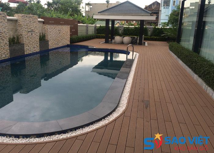 Lát sàn trang trí khu vực bể bơi