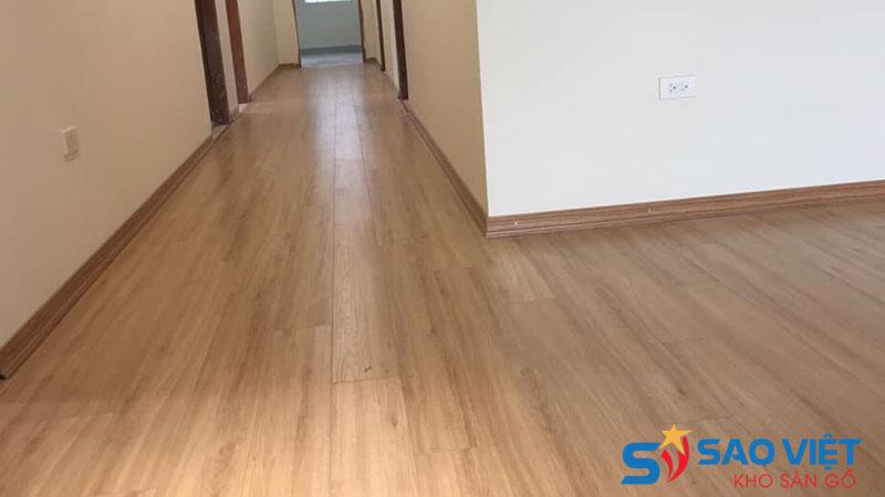 Nên chọn loại sàn gỗ công nghiệp 8mm cốt xanh hoặc cốt đen