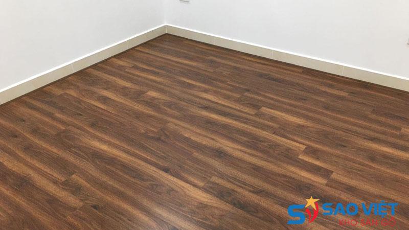 Sàn gỗ công nghiệp giá bao nhiêu tiền 1m2